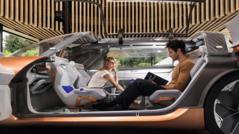 New Renault SYMBIOZ Autonomous Driving Vehicle For Change