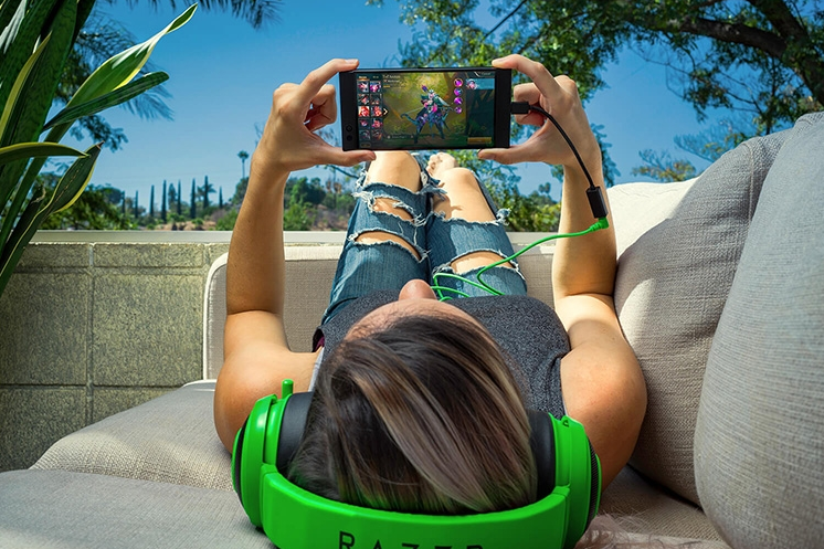 Razer Phone 2017 Official The Ultimate in Mobile Entertainment The Game is Big