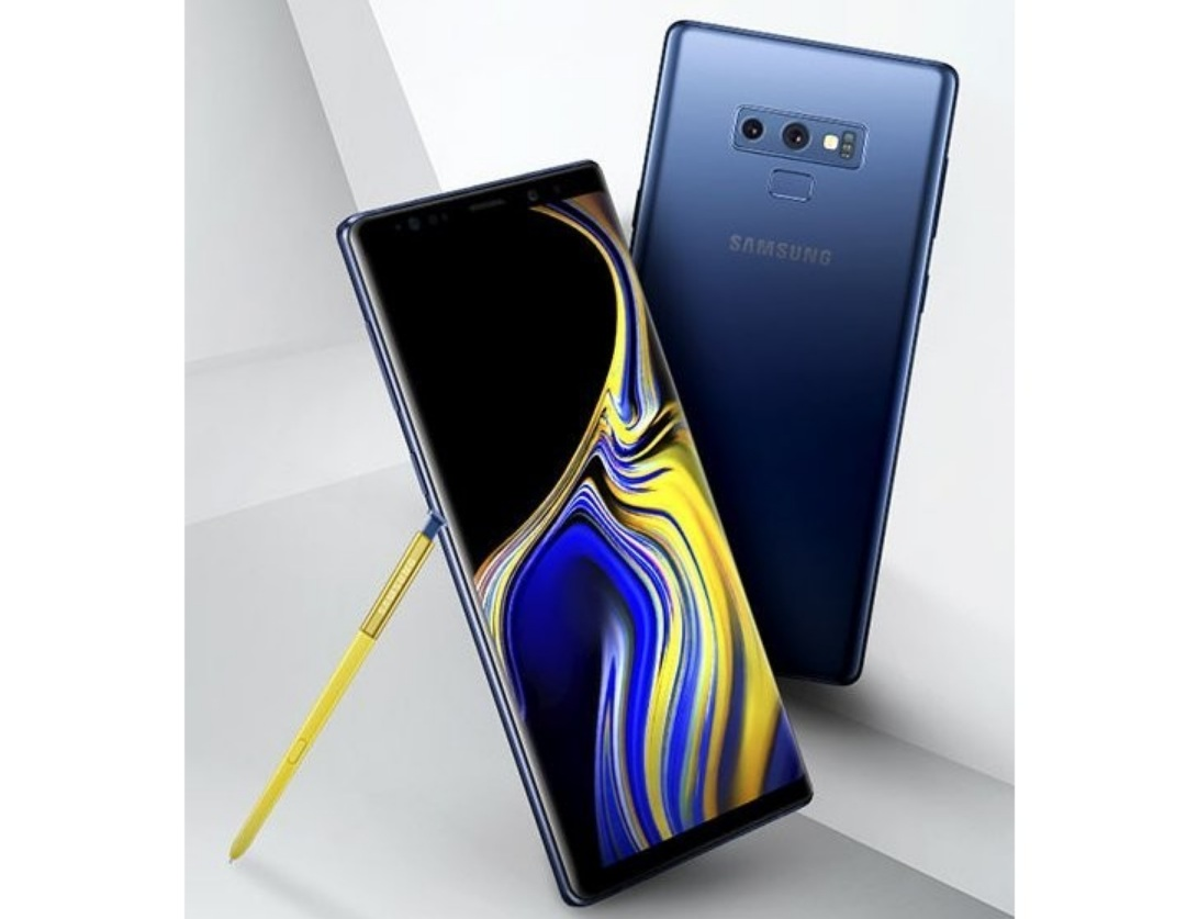 The new Samsung Galaxy Note9 displays visualization and live