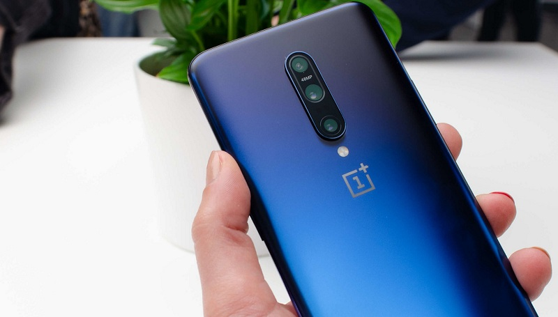 The head of OnePlus told why OnePlus 7 Pro did not get a camera embedded in the screen