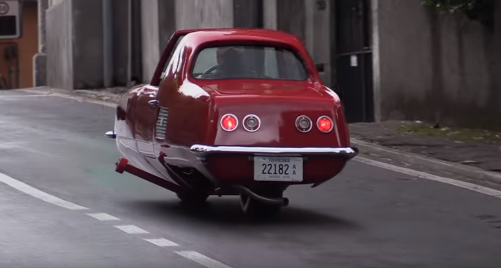 The two-wheeler car tested in urban environments [VIDEO]